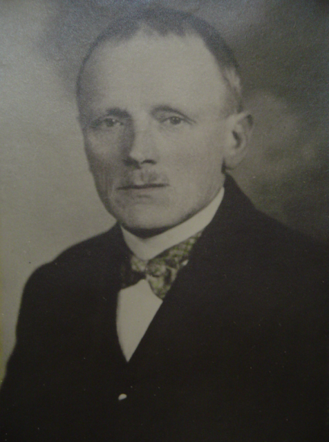 founder of kolibri brush factory Karl Feurer established 1898 our company in Bechhofen, Bavaria, Germany
