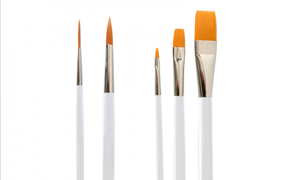 synthetic brushes round and flat with acrylic-glass handles